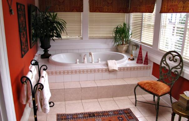 Whirlpool Suite - Marco Polo Villa Inn, Victoria BC