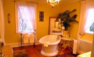 Soaker Tub at the Marco Polo Villa Inn