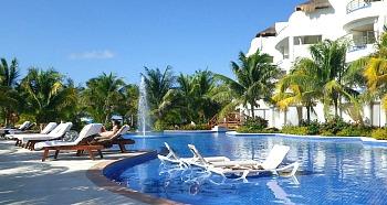 Warm & Quiet Playa Del Carman Resort