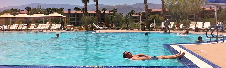 Warm Romantic Holiday at a Palm Desert Resort, California