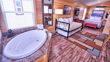 Washington State West Coast Spa Tub Cottage