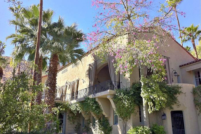 Willows Historic Palm Springs Inn
