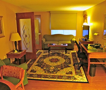 Wingate Atlanta Hotel Suite