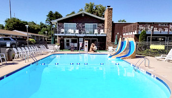 Wisconsin Dells Motel Pool