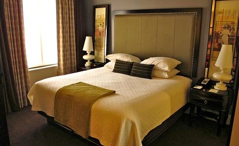 Room at the AVIA Savannah GA Hotel