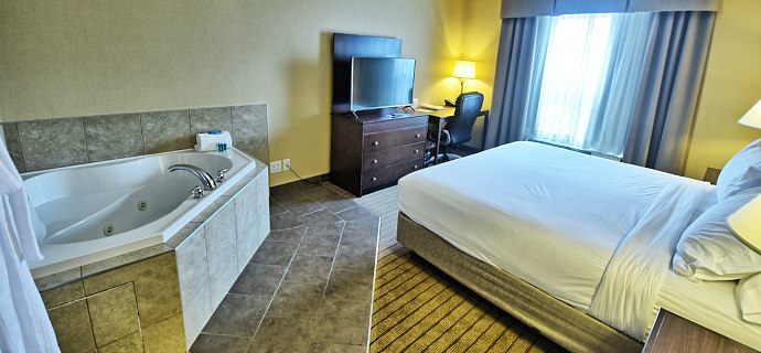 Hot Tub Suite, Courtenay BC, Vancouver Island