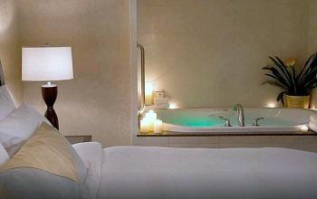 Jetted Tub Suite, Hilton Garden Inn, Downtown Toronto