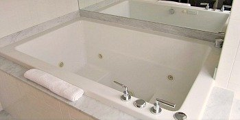 Hotel Palomar Spa Tub Suite