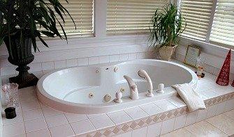 Jacuzzi Whirlpool Suites
