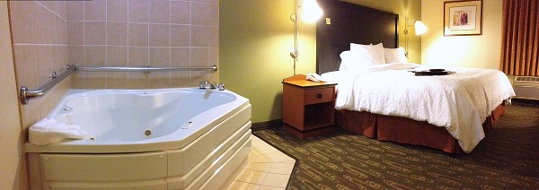Whirlpool Suite at the Hampton Inn North Seattle/Lynnwood WA