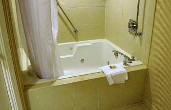 Sheraton Suites Plantation Fl Ft Lauderdale West Jetted Spa Tub