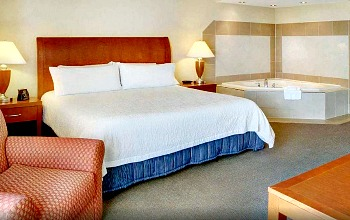 Downtown Toronto Hotels With Jacuzzi Suites