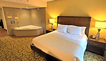 Louisville KY Whirlpool Suite