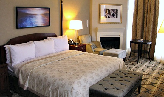 Victoria bc romantic hotels small inns honeymoon suites for Small romantic hotels