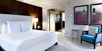 Romantic Suite at the Marquette Hotel