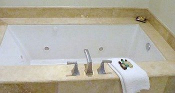 Broward County Beach Hotels With Jacuzzi In Room Honeymoon Suite