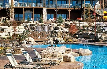 Pool at Marriott Willow Ridge in Branson MO