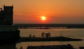 Memphis Hotel Sunset View