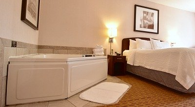 Minnesota Marriott Whirlpool Suite