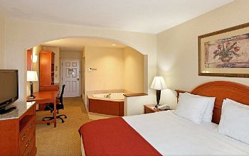 Hotels In Bridgeport Ct With Jacuzzi Rouydadnews Info