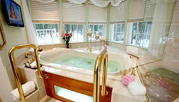 New Hope Pennsylvania Whirlpool Suite