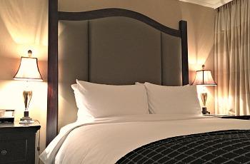 Bedroom - Oak Bay Beach Hotel