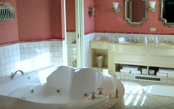 Ontario Hot Tub Suites Hotel Rooms With Private Whirlpool Tubs