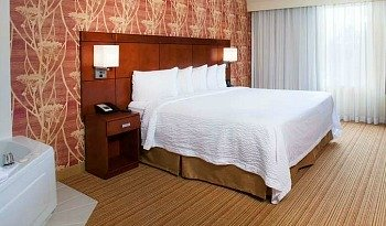 Affordable Orlando Whirlpool Suite
