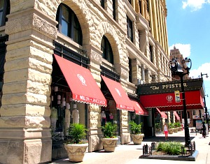 Pfister Hotel, Milwaukee