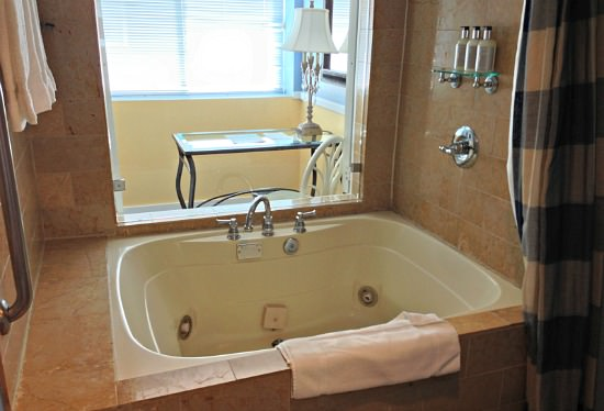 Portofino Hotel, Redondo Beach, California - King Jacuzzi Suite
