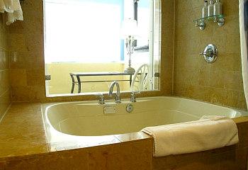 Portofino Hotel Jetted Tub