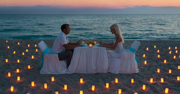 Romantic Place to Propose in Hawaii on the Beach