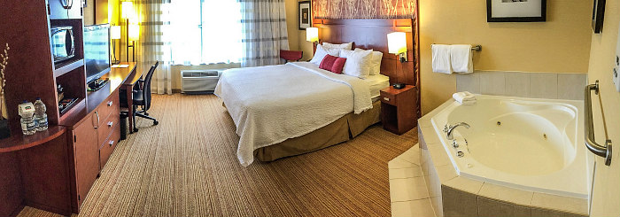 Hotel Hot Tub Suites Best 2019 Rates On In Room Whirlpool Tubs