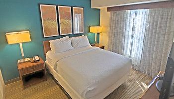 Romantic Indianapolis Hotel Room