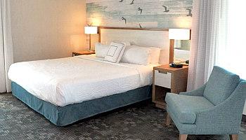 Romantic Virginia Beach Hotel Room
