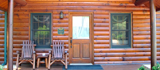 Galena, Illinois Romantic Log Cabin