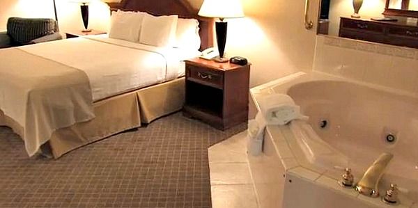 Twin Cities Hotels With Jacuzzi In Room