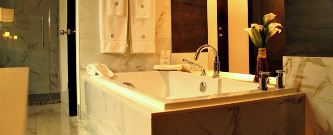 Missouri Jetted Tub Suite for Two