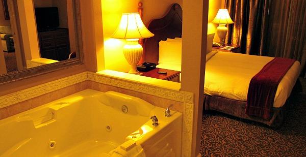 Whirlpool Suite - Hilton Grand Vacations Suites, Orlando, Florida