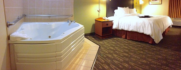 Hotel With In Room Hot Tub In Lynnwood Wa