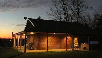 Illinois Secluded Honeymoon Cabin