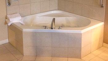 St Louis Hotel Whirlpool Tub