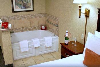 Toledo OH Whirlpool Suite