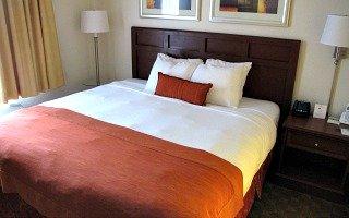 Wingate Tampa King Bedroom